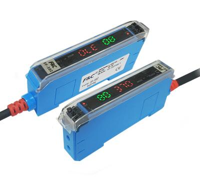 High-performance dual-digital output fiber amplifier